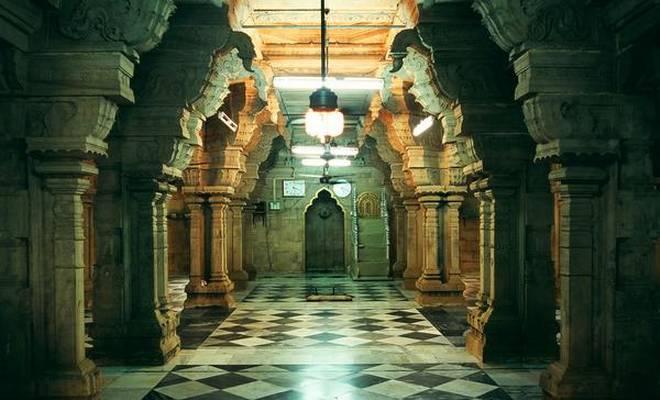 Yaadhum: An analysis by a Hindu