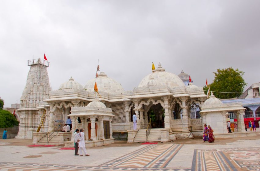 FREE HINDU TEMPLES FROM GOVERNMENT CONTROL: A STARTING POINT